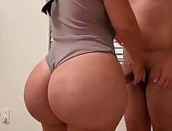 PORFIN CONVENCÍ A MI PRIMA para cojerme sus PRECIOSAS NALGAS!!! VIDEO COMPLETO: porno destyysex xxx videow49Bvv