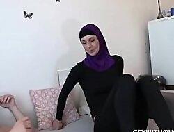 Real Horny Muslim Sexual relations Tape, Met Online