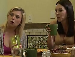 Blonde milf licked wide of a lesbian teen
