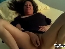 Hairy mature toying pussy at TryLiveCam xxx2020.pro