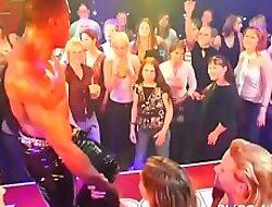 Plenty of gang faultlessly the dance floor