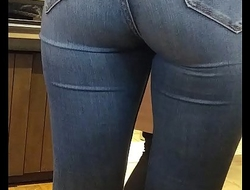 White Slutty hoe with a big ass