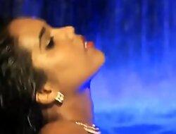 Bathing Beauty Blackness Honey From India