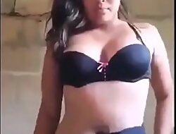 La chica viral de la panocha peluda