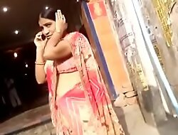 desi aunty akin to sexy hip and navel in public