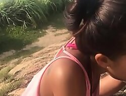 Asian amateur GF gives make obsolete a blowjob in overturn