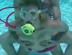David and Samantha Cruz underwater hardcore sex