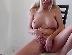 Blonde Mature Granny Suzanne detach from Texas hot sexy milf