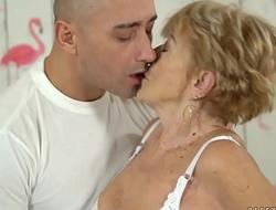 Nasty granny loves hardcore fuck - Malya and Mugur