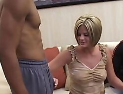 Luscious blonde Nikki threeway fucked off out of one's mind interracial cocks