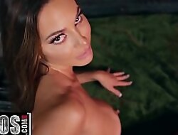 I Gain in value Lose one's train of thought Girl - (Abigail Mac, Will Pounder) - Being Squeezed - MOFOS
