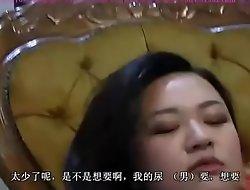 两位中国女王高跟踩踏小刚 口水 舔阴 坐脸 口舌侍奉 Slave serving two Chinese mistresses with his mouth.