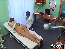 Handy final sexy doctor reaches agonorgasmos