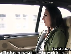 Amateur showing ass to portray taxi driver then shacking up