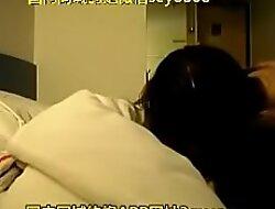 年轻情侣在酒店缠绵啪啪啪,各种姿势都会,太厉害了