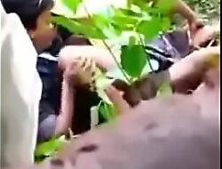 Ngintip SMA pacaran doggi dibawah pohon Full pic porn  xxx video 5M8WHI