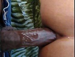 Otro negro que coge rrico