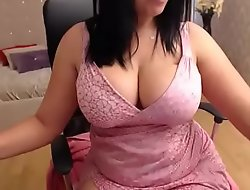 Oustandingly tits milf resembling her wing pussy d�bouch� on cam