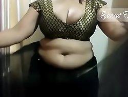 Sexy shona bhabhi teaching how to wear saree