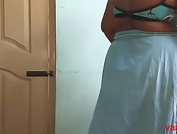 desi Indian  tamil aunty telugu aunty kannada aunty  malayalam aunty Kerala aunty hindi bhabhi horny cheating wife vanitha wearing saree showing big pair and shaved pussy Aunty Changing Dress ready for party and Throng Video