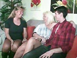 German Step Mom - STIEF MUTTER und TANTE ficken Sohn nach Familien Feier