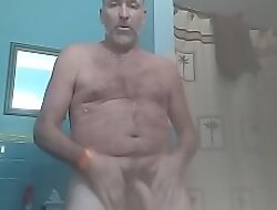 Danrun daddy strips off his jeans for your indiscretion