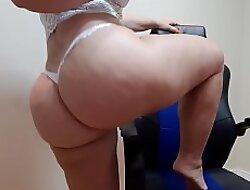dan&ccedil_a unrefined langerie branca com nudez/  unrefined white undergarments dance with nudity / formulate on my channel