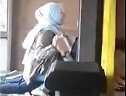 Jilbab putih widely applicable diatas sama pacar Pic Full porn  xxx video jg7hBM