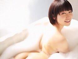 Asiática muito bonita e gostosa- Yuu Shinoda
