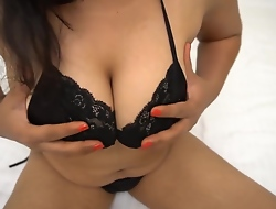Almighty Hot Desi Pari Bhabhi Pinpointing in Pussy