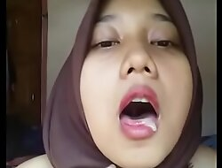 Indonesian Malay Hijabi Horny 02
