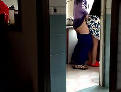 Chinese Old woman there rub-down the Scullery (to Begin).MP4