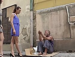 YOUMIXPORN Interactive - Skinny teen Cayenne and busty babe Darcia Lee pick a vagrants man from the streets and mad about him raw