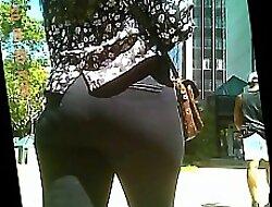big ass tight pants = nice panty lines