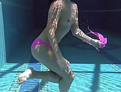 Hot Russian woman in slay rub elbows with pool